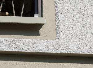 Fassade Zielacher, Detail Kratzputz
