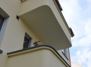Gips Wesmelin-Terrasse Luzern, Balkon an Fassade