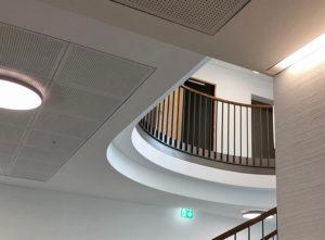 Trockenbau Gemeindehaus Malters, Details Treppe und Decke