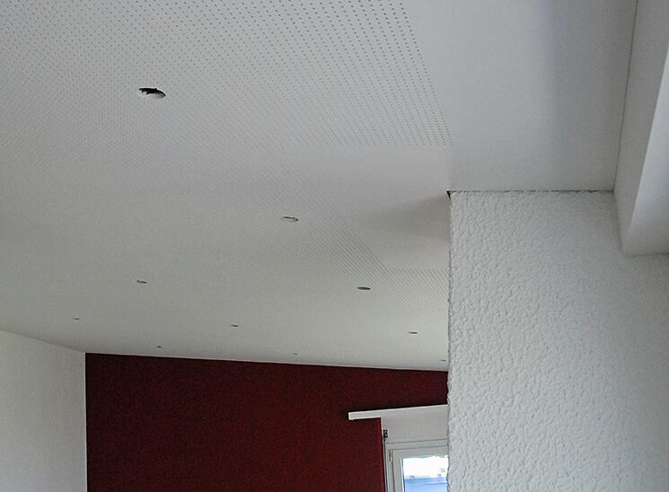 Trockenbau Lochplattendecke Luzern, fertige Decke