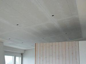 Trockenbau Lochplattendecke Luzern, Decke in Arbeit