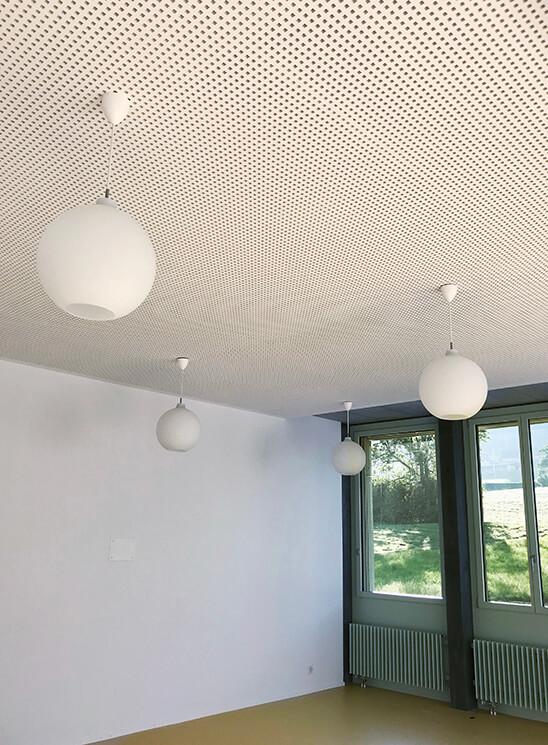 Trockenbau Oberfeld Rood, Details Decke mit Lampen
